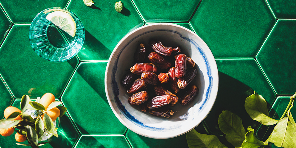 Dates Nutrition Facts and Benefits