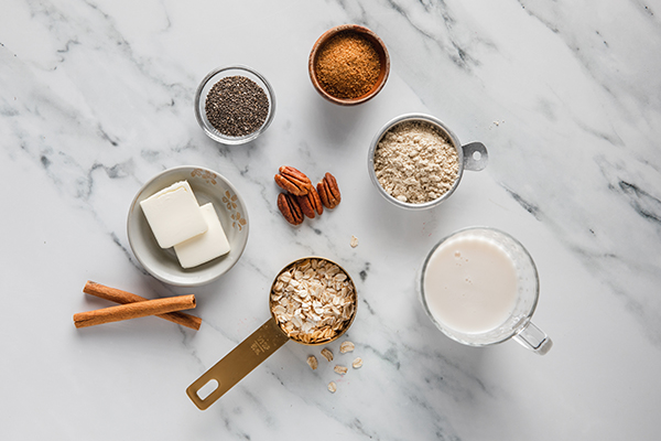 Coffee Cake Overnight Oats ingredients