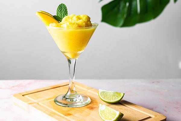 Mango Daiquiri Energize Cooler in a glass