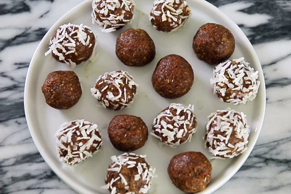 Carrot Cake energy balls on a plate