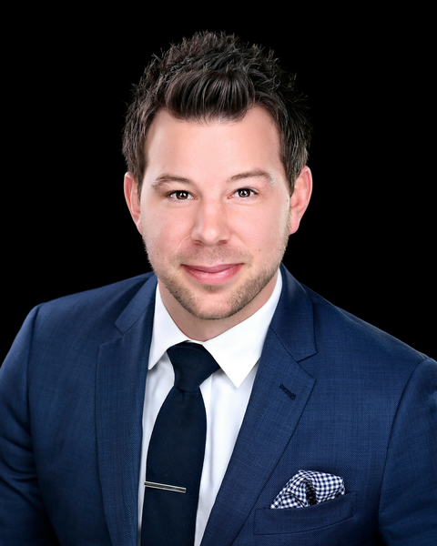 Brett Liscomb - Real Estate Agent at Bennett Property Shop