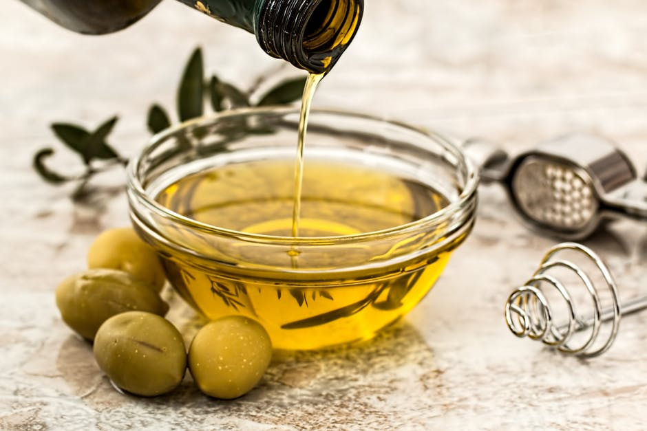 healthy fats on keto - olive oil