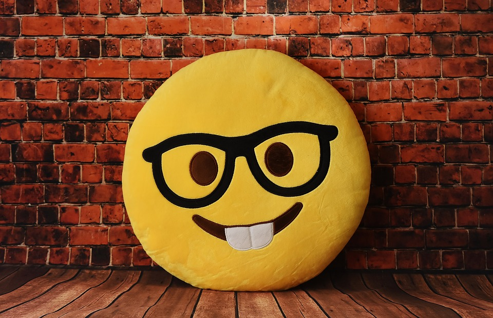 Image 2 What is the Best WhatsApp Emoticon App for Android