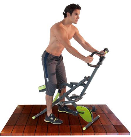 Hombre sobre el Body Crunch Evolution como si fuera bicicleta.