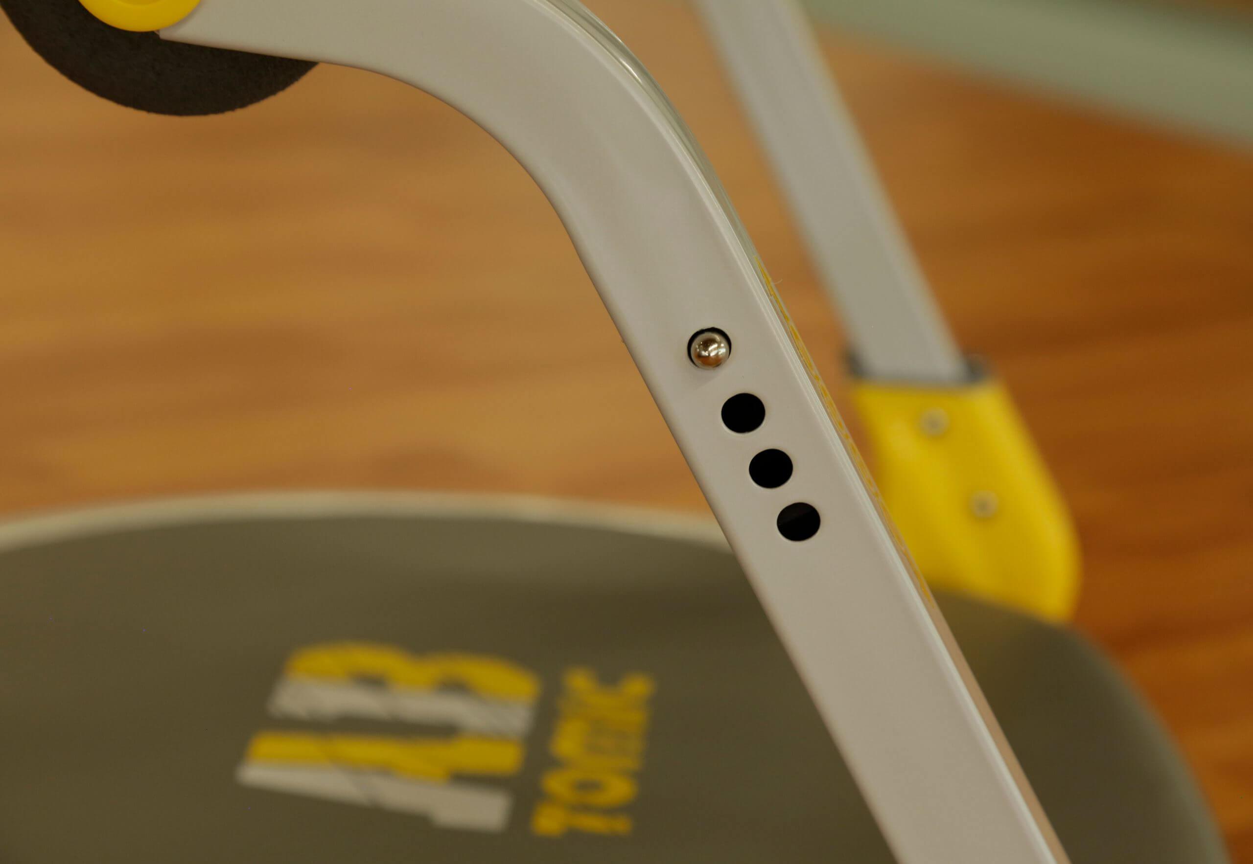 Niveles de resistencia en el aparato de ejercicio Ab Tomic.
