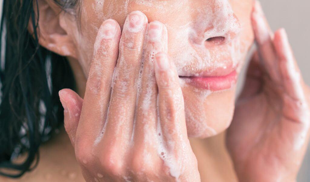 limpieza cuidado de la piel en invierno