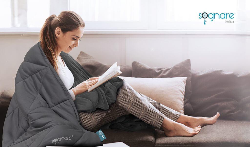 Mujer leyendo con Sognare Relax