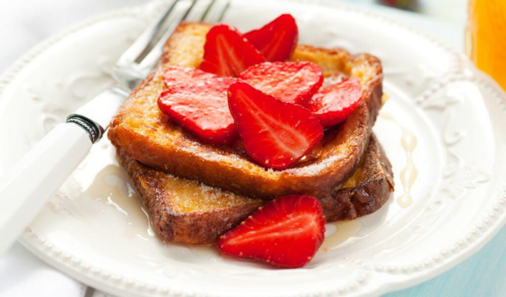 Pan francés con fresas