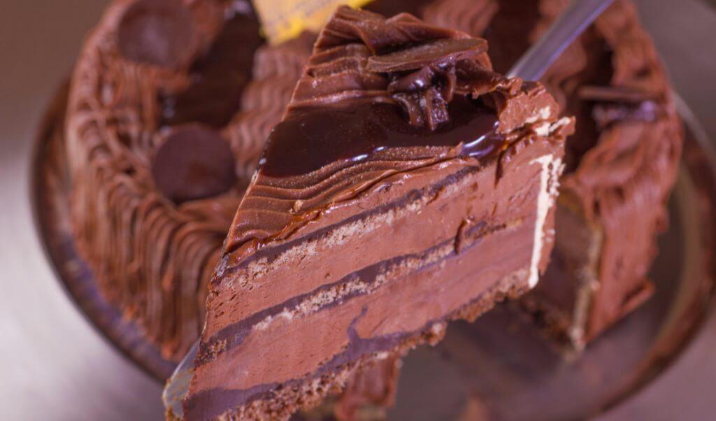 Pastel helado de chocolate