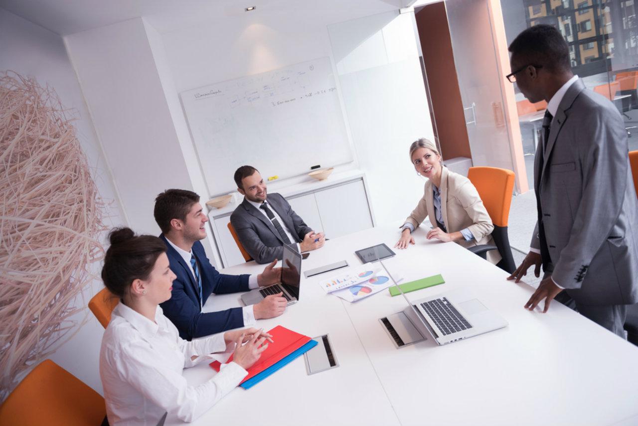 Aprenda como usar a liderança e motivação para engajar sua equipe