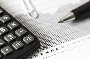 Impostos e encargos sociais na folha de pagamento