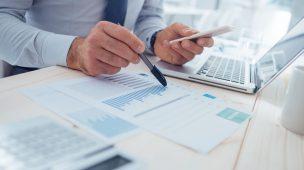 contabilidade fazendo estratégia de redução de custos