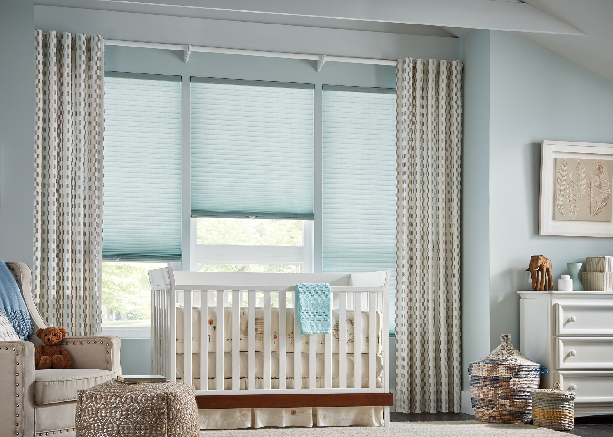 ways to mix and match curtains with blinds zebrablinds. Black Bedroom Furniture Sets. Home Design Ideas