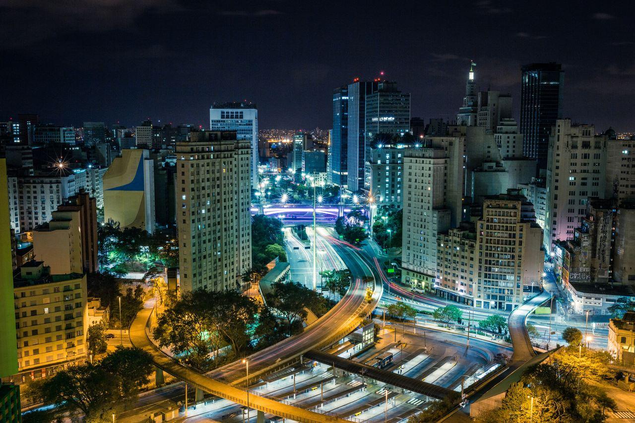cidade de sao paulo durante a noite