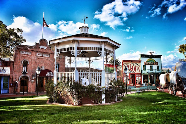 Tucson Restaurants - Pinnacle Peak