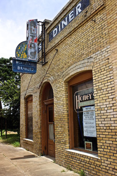 Smithville Texas - Honey's Diner