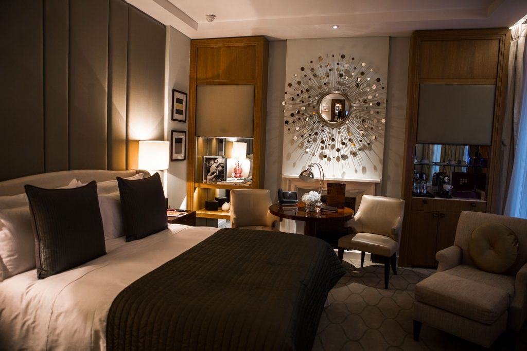 UK London Corinthia Hotel Room