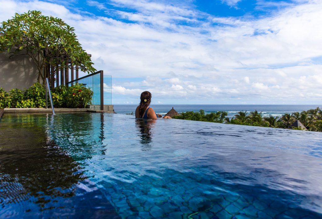 BlueSkyTraveler.Bali_.InfinitiPoolRitz