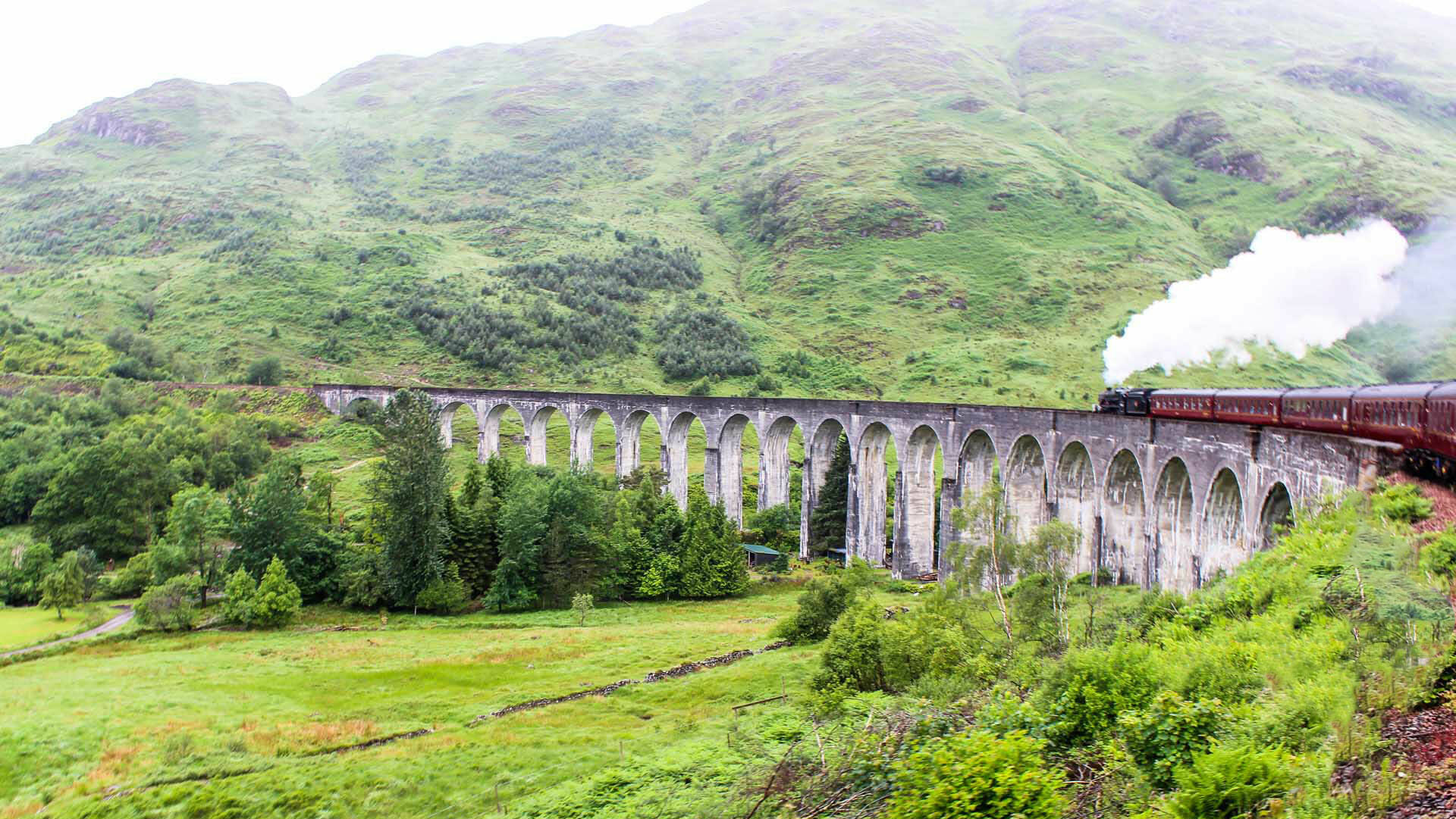 Scotland Glenfinnan Viaduct