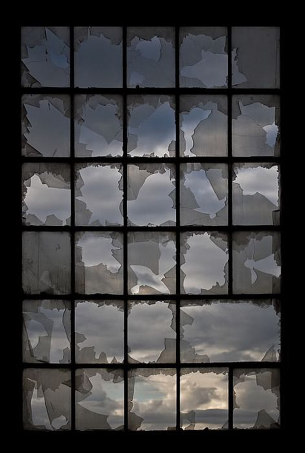 [théorie de la vitre cassée] Les signes visibles de la criminalité créent un environnement urbain qui encourage la criminalité et le trouble de l'ordre public