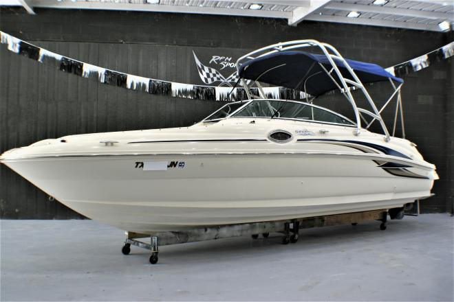 2001 Sea Ray 240SD - For Sale at Mc Queeney, TX 78123 - ID 201050
