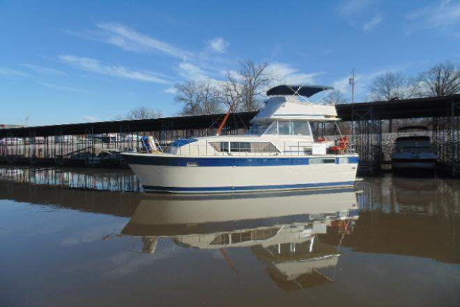 1978 Chris Craft 410 commander