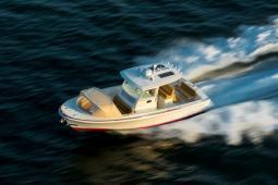 2016 Hunt Yachts 32 CC