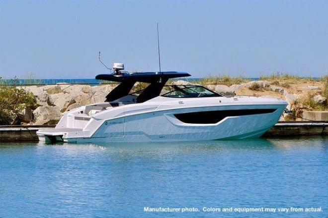 2021 Cruisers 38GLS I/O - For Sale at Pewaukee, WI 53072 - ID 203560