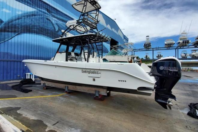 2018 Everglades 355 CC - For Sale at Destin, FL 32541 - ID 205582