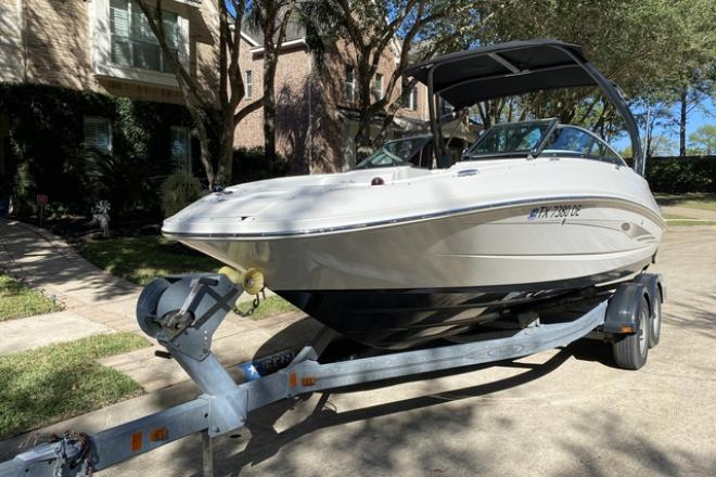 2015 Sea Ray 220 Sundeck - For Sale at Houston, TX 77008 - ID 206819