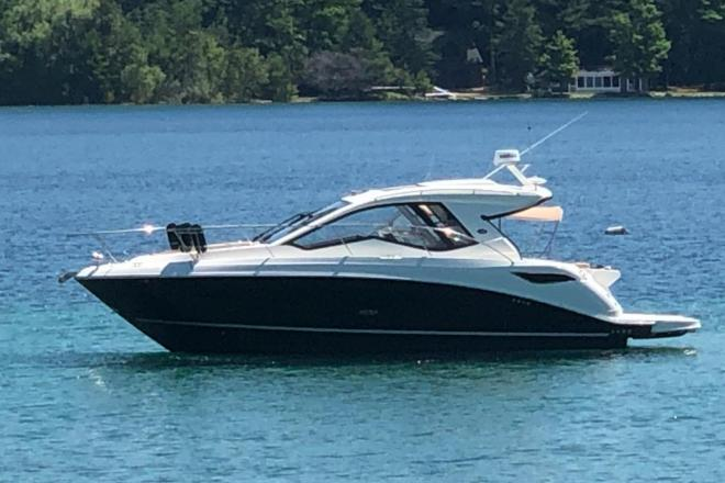 2018 Sea Ray 350 Sundancer Coupe - For Sale at Harbor Point, MI 49740 - ID 208389