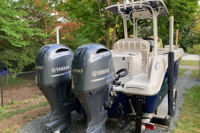 2017 Robalo R242 - For Sale at West Bridgewater, MA 2379 - ID 208480