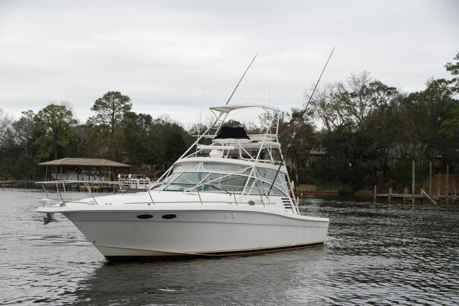 1998 Sea Ray 370 EC