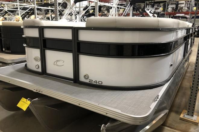 2021 Crest Classic DLX 240 SLS