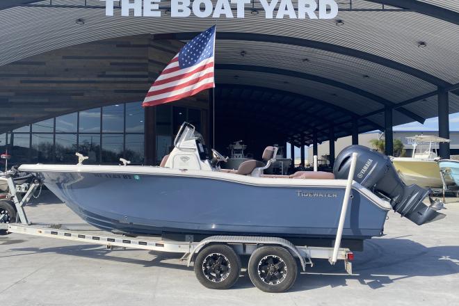 2017 Tidewater 210