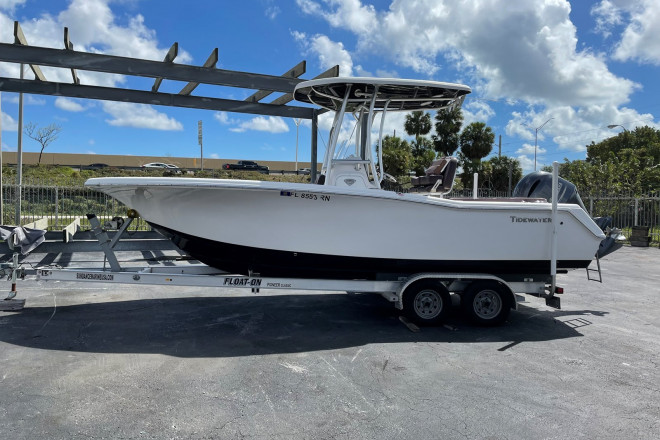 2017 Tidewater 220 LXF - For Sale at Miami, FL 33150 - ID 208699