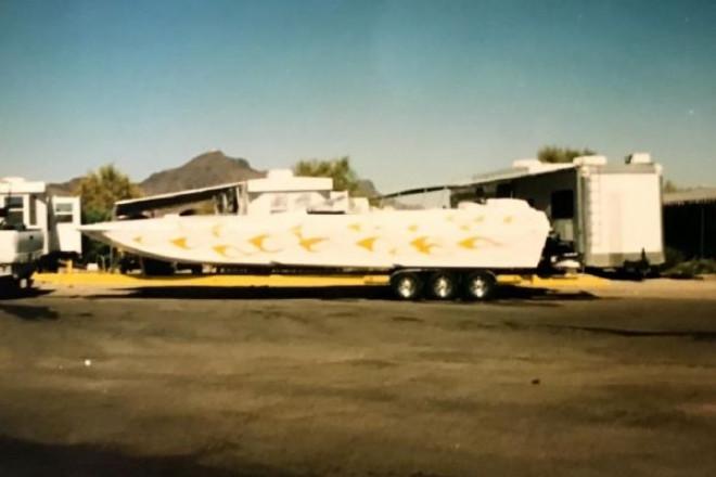 2002 Warlock 37 Cat