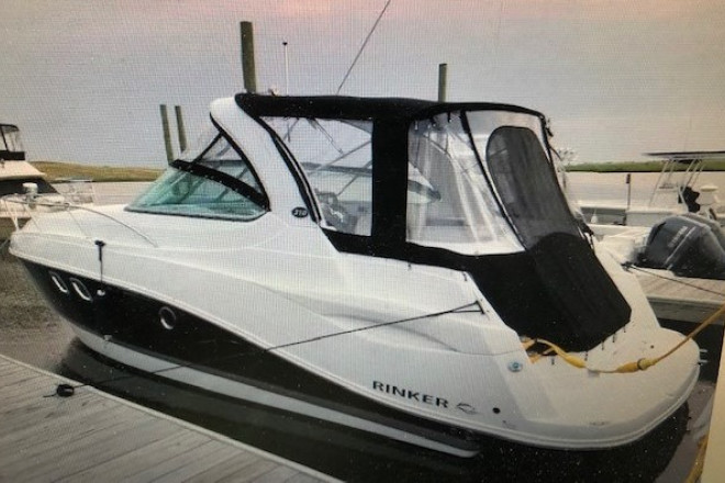 2016 Rinker 310 Express Cruiser
