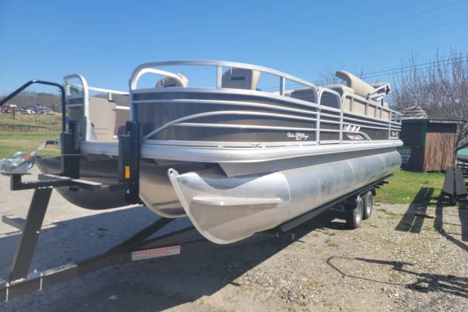 2021 Sun Tracker Fishin' Barge® 24 XP3