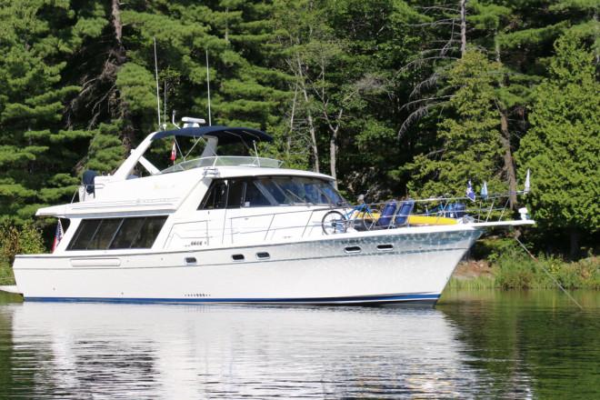 1997 Bayliner 4788 Motor Yacht
