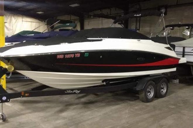 2017 Sea Ray 220 SDX - For Sale at Oshkosh, WI 54904 - ID 212065