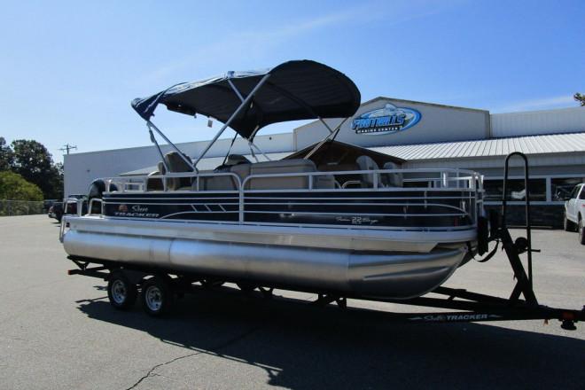2021 Sun Tracker Fishin' Barge