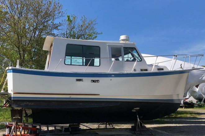 1980 Prairie 29 Trawler