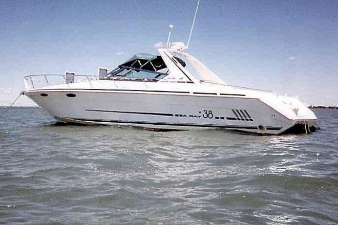 1997 Sea Ray 38 SUN SPORT