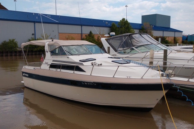 1985 Cruisers 296 Avanti Vee