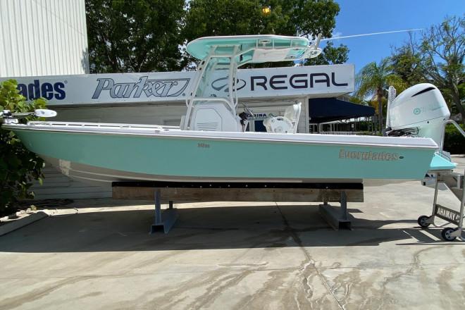 2021 Everglades 243 CC