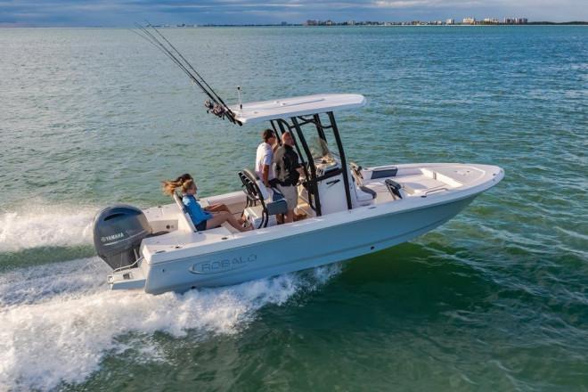 2022 Robalo 226 Cayman