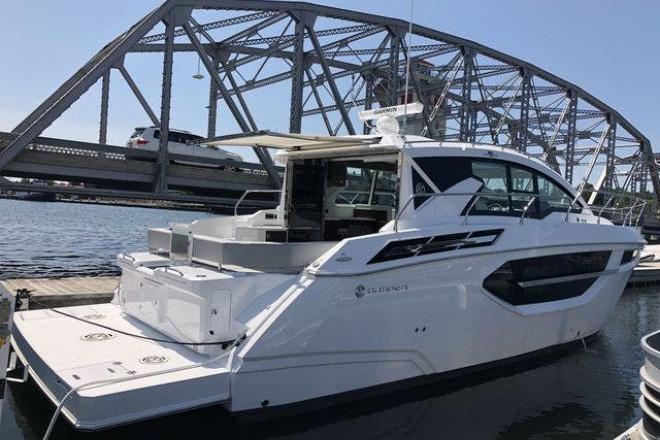 2022 Cruisers 42CANTIUS