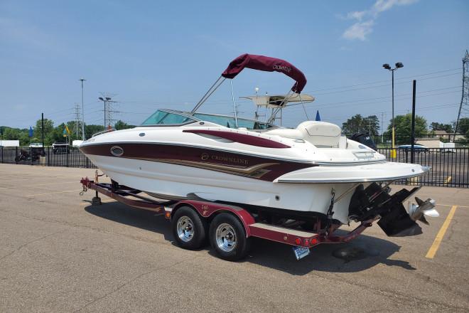 2004 Crownline Deck Boat 240 EX