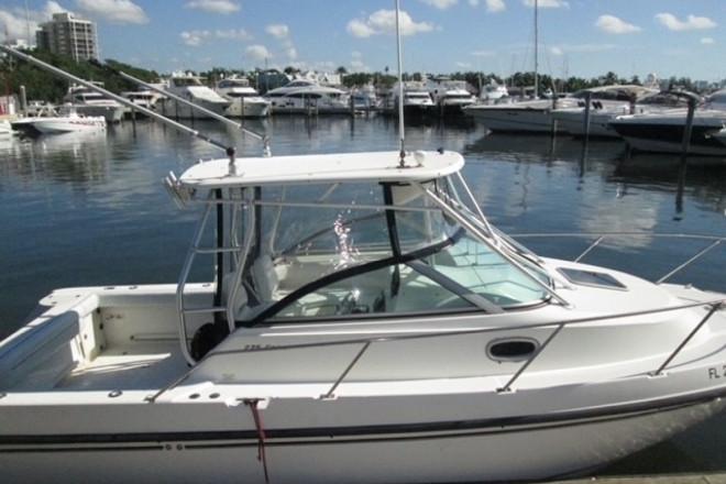 2005 Boston Whaler 275 Conquest